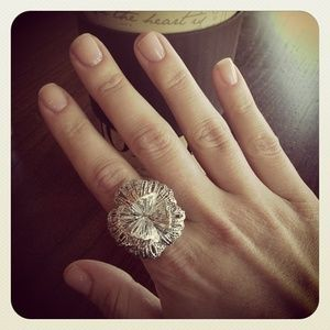 Stella & Dot Geneva Lace Vintage Flower Ring